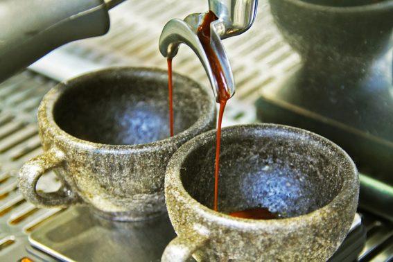 綠意咖啡店 - 多肉植物與手沖咖啡的結合