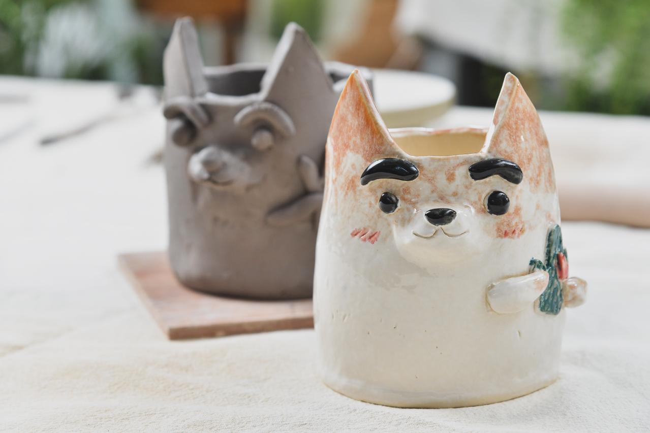 陶藝課程 - 手捏陶盆,來體驗一堂可愛到不行的陶藝課吧!不僅僅是為了自己,也為了可愛的多肉植物喔