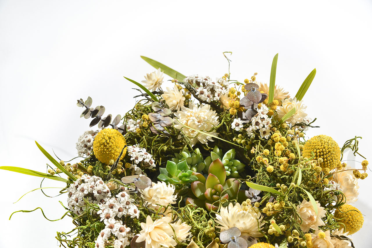 將乾燥花圈與多肉植栽結合的手作課程,花團錦簇的美令人著迷