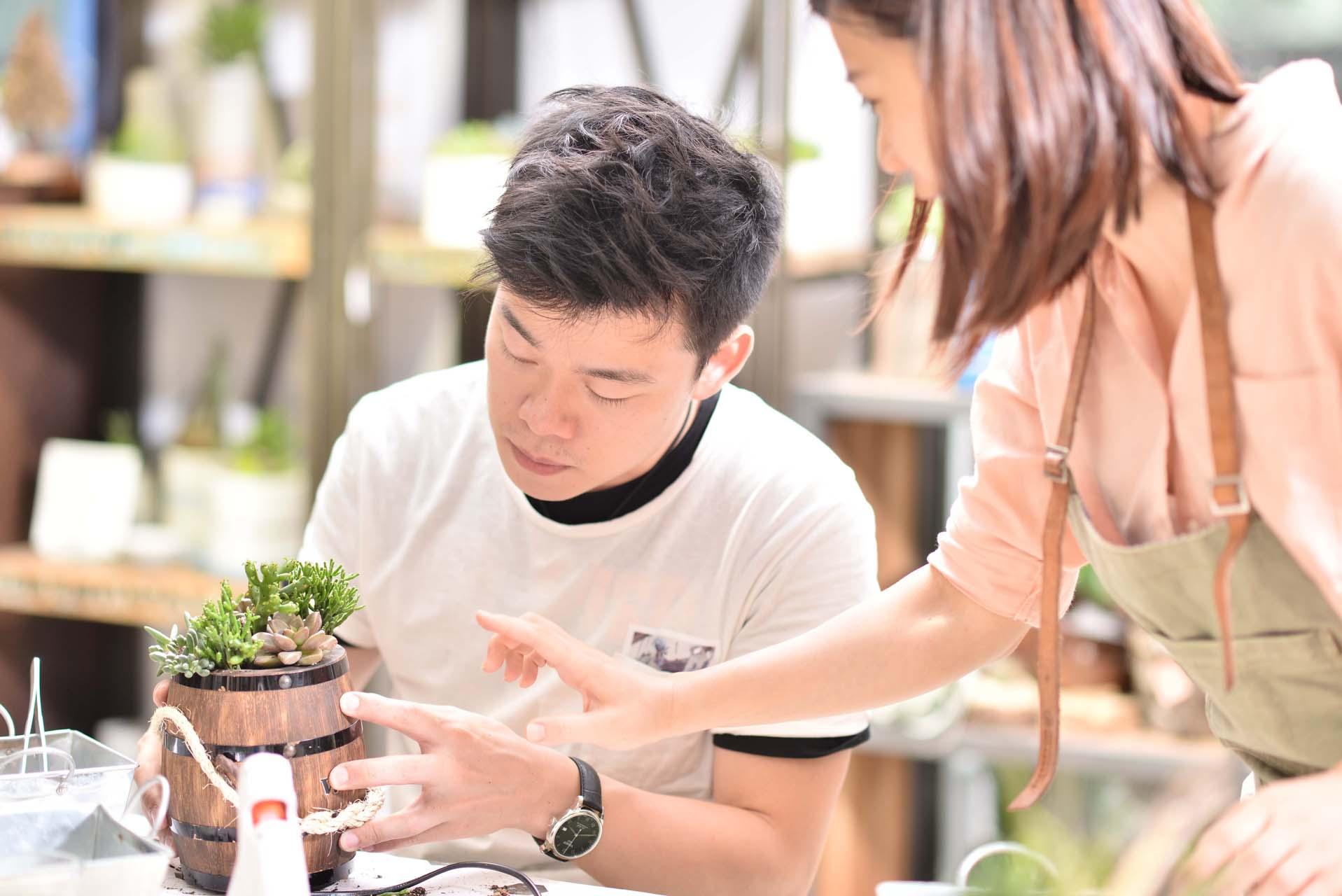 來到位於台北大安區的有肉,上手作課程就是如此安靜自在,讓絕美的作品在自己的手上產生