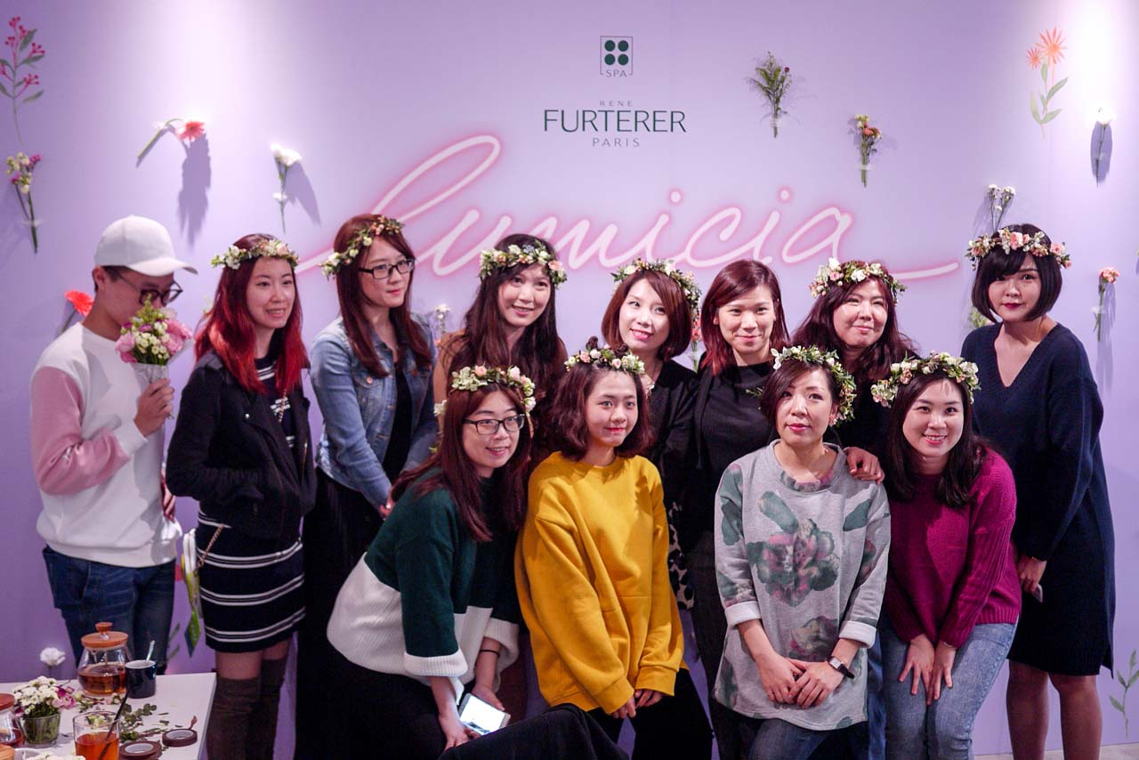 學員的花藝課程作品,女神花圈