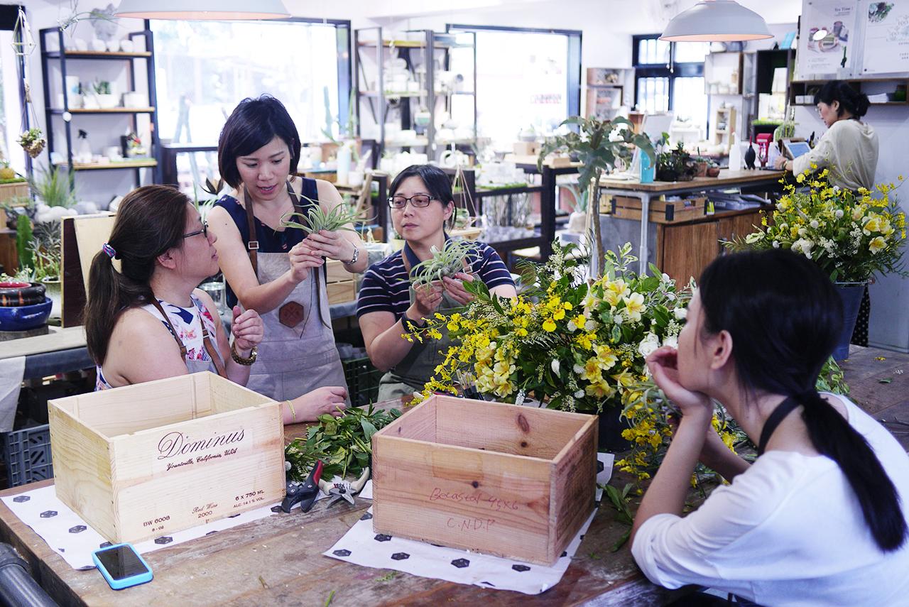 抒情狂想曲 花藝體驗 台北花藝課程 插花課 手綁花束 有肉 手作課程