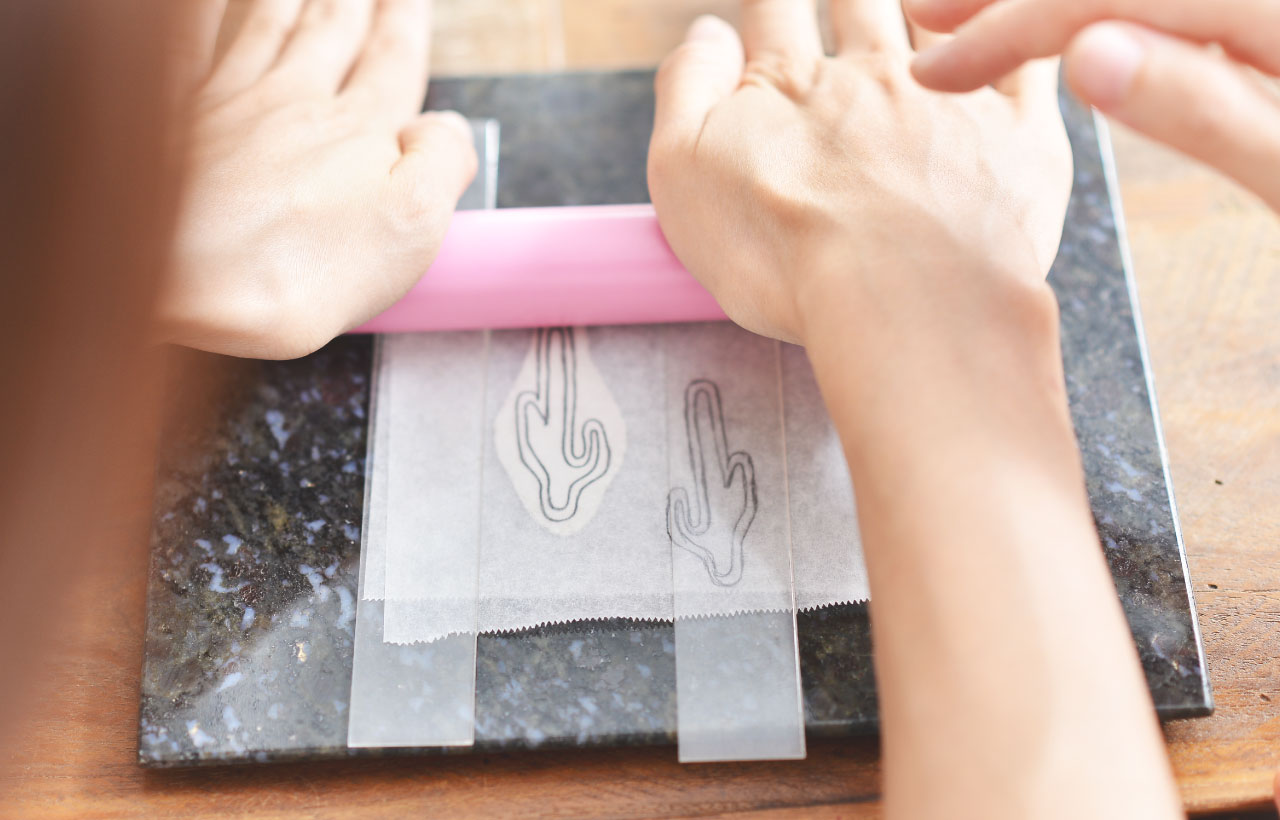 使用銀黏土製作銀飾,輕鬆簡單的方式完成一件作品,親手做出仙人掌項鍊