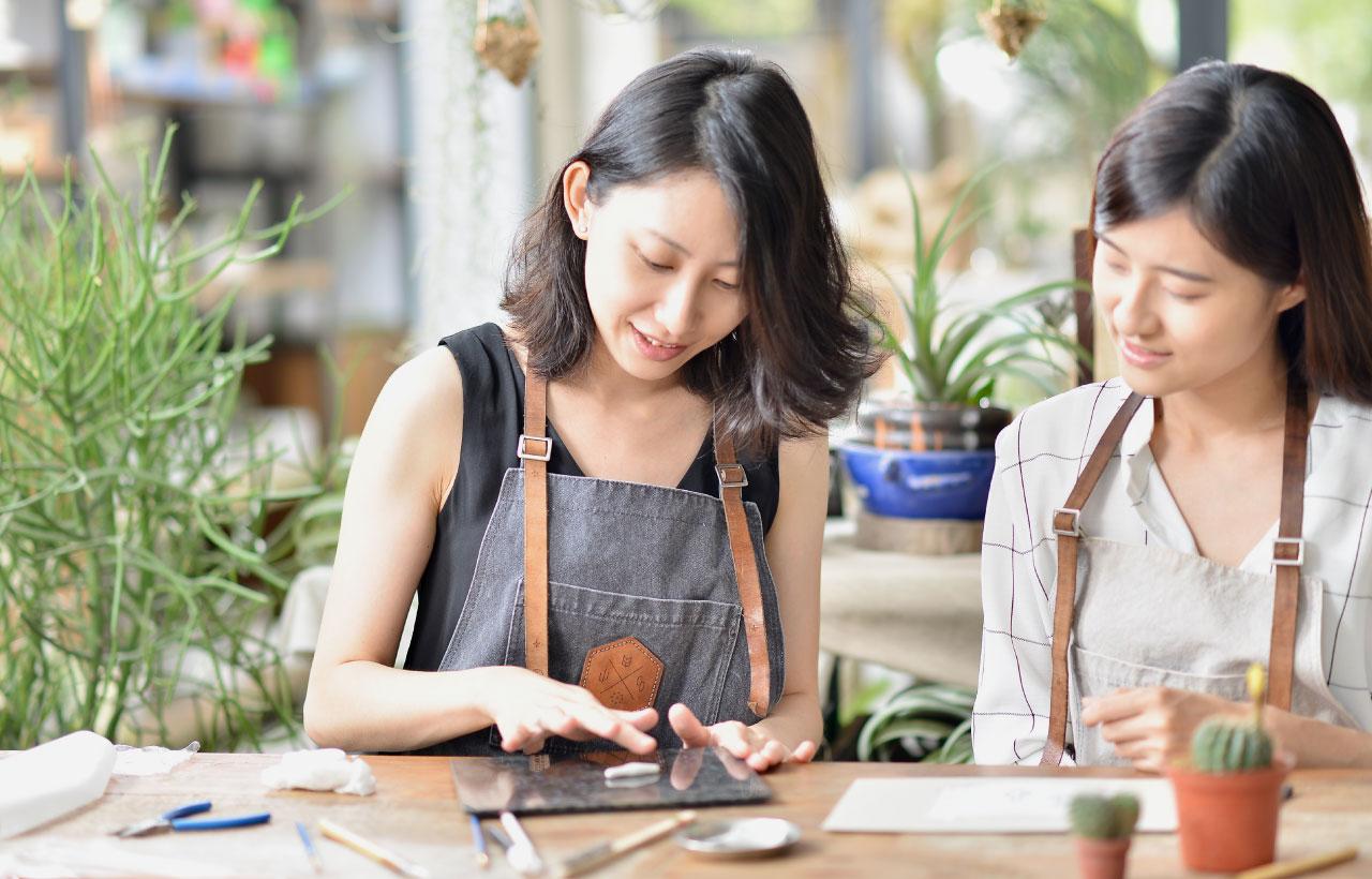 手作銀飾金工課程,來到台北大安區的手作教室,體驗兩種仙人掌形狀的手作銀飾課吧