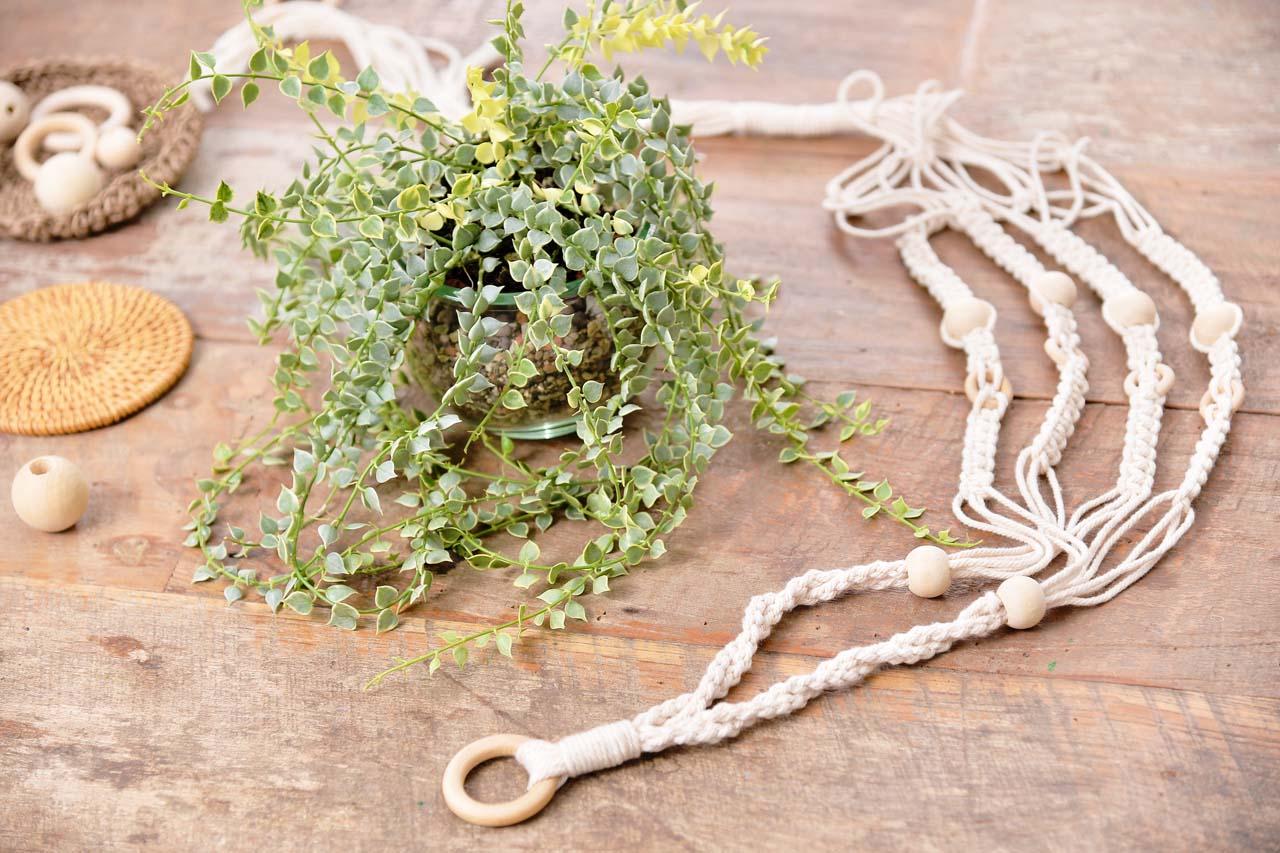 編織掛繩與多肉植物盆栽就是這堂手作客的完成品