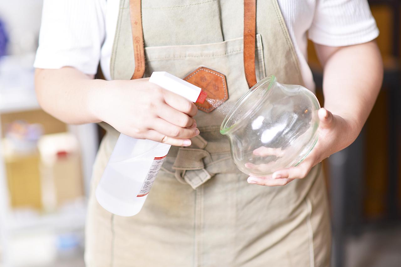 玻璃瓶罐種植前需要消毒過,以維護後續的種植環境