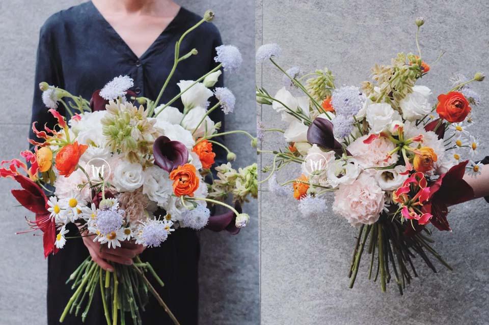 讓花莖自由的舒展,手感花束特別自然新鮮,體會花束自己帶來的美麗