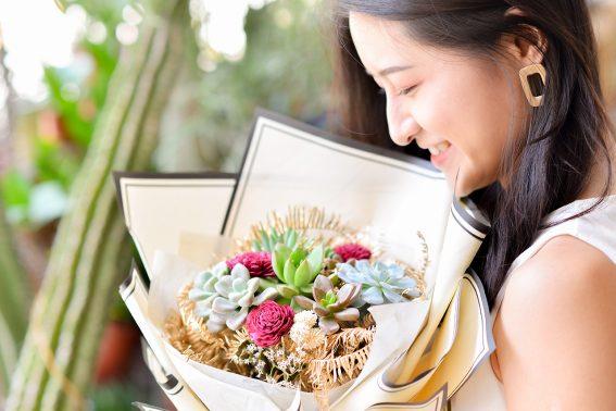 多肉花束 – 彩虹羽翼 女生都喜歡的花束