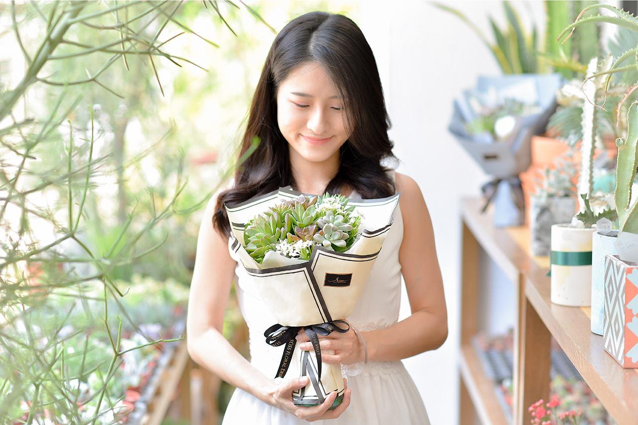 多肉花束 – 白色浪漫 米黃花束(小) 03