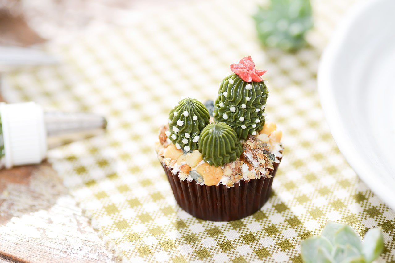 仙人掌杯子蛋糕