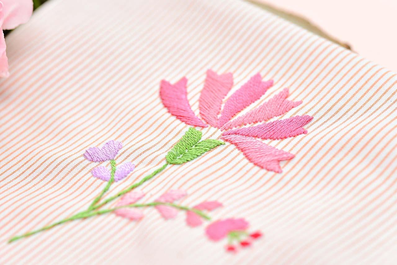 刺繡綠色花萼