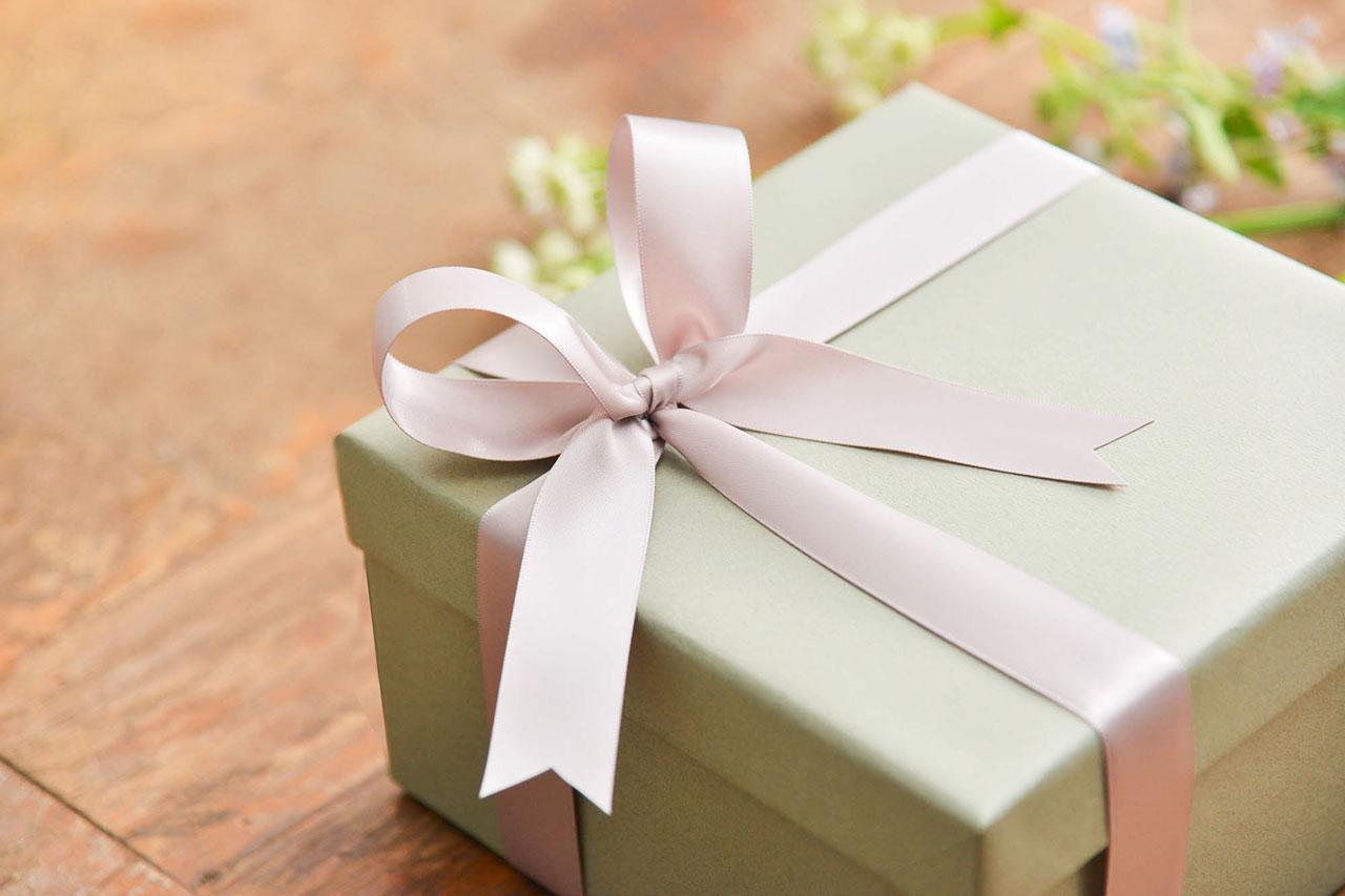 禮盒包裝粉紅色緞帶