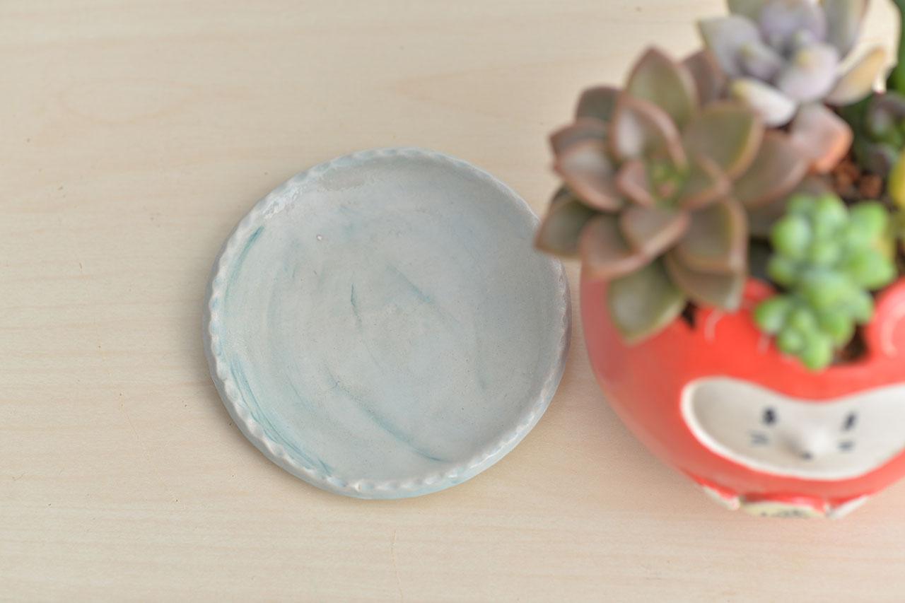 手捏陶接水盤