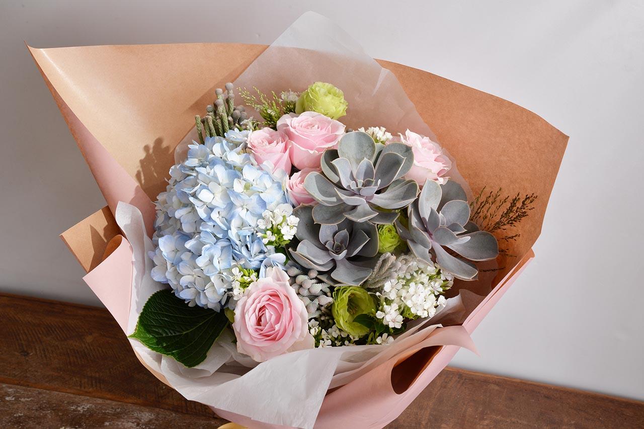 粉紅色花束送禮